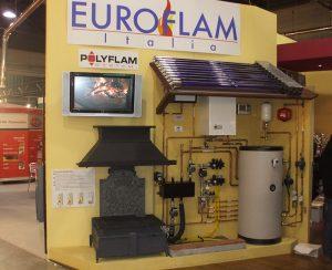 Il termocamino AQUAPOLY Polyflam si può collegare sia all'impianto termoidraulico tradizionale che ai nuovi sistemi di riscaldamento come pannelli solari e impianti a pavimento