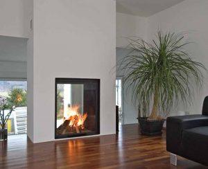 I Termocamini a legna su misura con altezza di oltre 1,5 metri possono essere collegati all'impianto di riscaldamento esistente