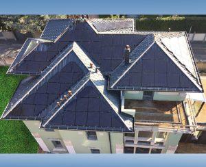 I pannelli triangolari e trapezoidali su misura ci consentono di ottimizzare gli spazi consentitici dalle falde dei tetti