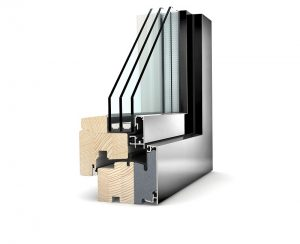 Gli infissi con doppio o triplo vetro assivurano un buon isolamento termoacustico