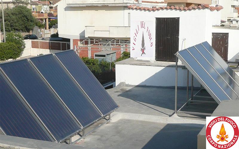 Questo impianto solare è composto da pannelli in acciaio inox su misura