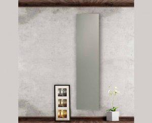 I radiatori elettrici a soffitto o a parete in acciaio verniciato a fuoco hanno un alto rendimento termico