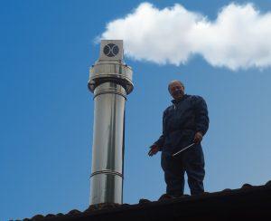 Nei casi più complicati installiamo un sistema attivatore di tiraggio per consentire il corretto funzionamento della canna fumaria