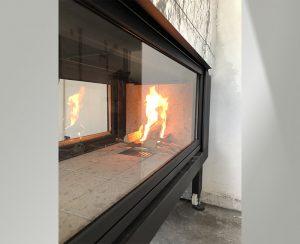 Il termocamino trilaterale permette di avere la fiamma visibile da qualsiasi angolazione