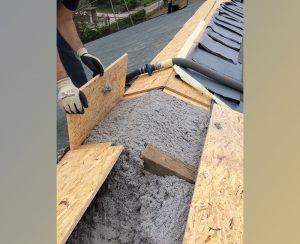 Isolamento tetto tramite insufflaggio di cellulosa